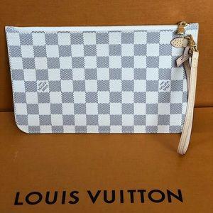 Authentic Louis Vuitton Neverfull Pouch/wristlet